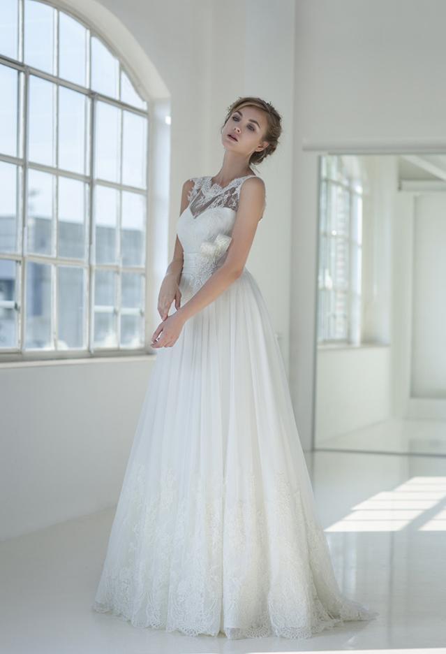 Top-Qualität eine Linie Jewel Stock Länge Elfenbein Organza Brautkleider mit Spitze Top Custom Made Günstige Brautkleider