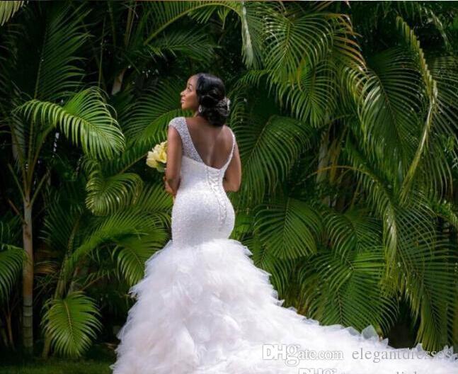 아랍어 스타일 플러스 사이즈 웨딩 드레스 2021 깊은 V 넥 구슬 레이어 인어 웨딩 드레스 채플 기차 레이스 다시 비치 신부 드레스
