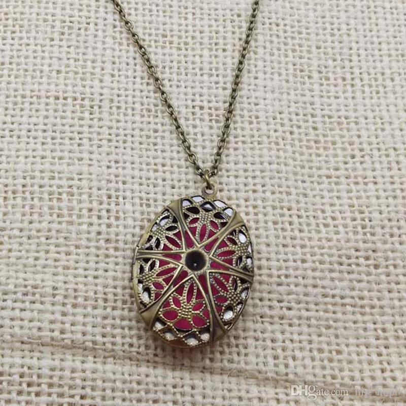 Vintage Style Censer Aromatherapy Jewelry Essential Oil Diffuser Floating Hollow Oval-Shaped Locket Pendant Necklaces For Women Girl