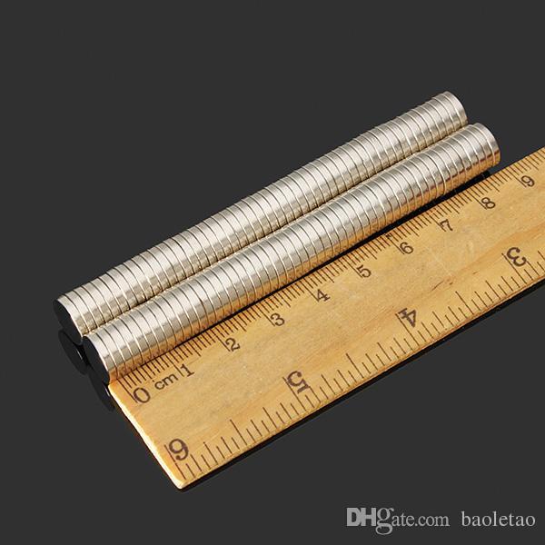 N52 NdFeB aimants de disque super puissants aimants en néodyme de terres rares 10mm x 2mm