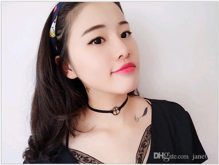Schwarz Weiß Perle Chokerhalsketten Kragen Stil Bogen Leder Punk Kragen Knochen Drehmomente Halsketten Teen Modeschmuck Koreanisch