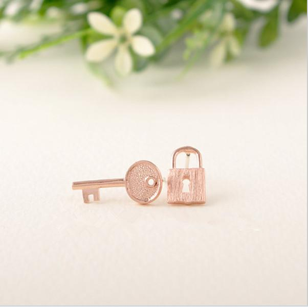 The latest trend minimalism stainless steel jewelry of gold and silver love small lock and key to your heart earrings are women