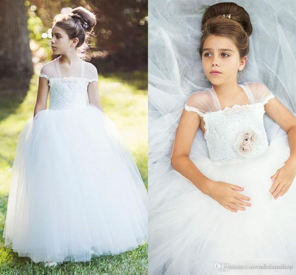 White Tulle Flower Girls Dresses For Vintage Garden Wedding Strapless Lace Princess Ball Gowns For Communion Birthday Party Gowns 2016