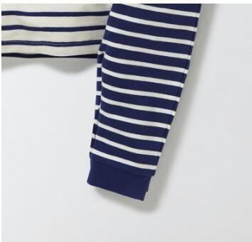 الجملة العلامة التجارية الجديدة طفل بنين موضة الحياكة والتطريز مخطط مجموعة ملابس بيبي بوي عادية ملابس خاصة HomeWear 2 قطعة مجموعة الشحن مجانا