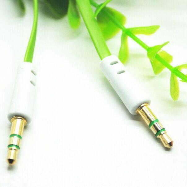Nylon plat coloré gratuit 3.5mm Aux Câble Auxiliaire Jack Mâle à Mâle Prise Fil Stéréo Cordon pour iphone