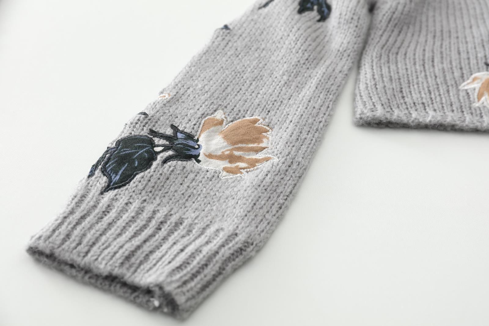 2017 hohe qualität herbst grau blume stickerei langen ärmeln marke gleichen stil frauen pullover scoop neck frauen pullover
