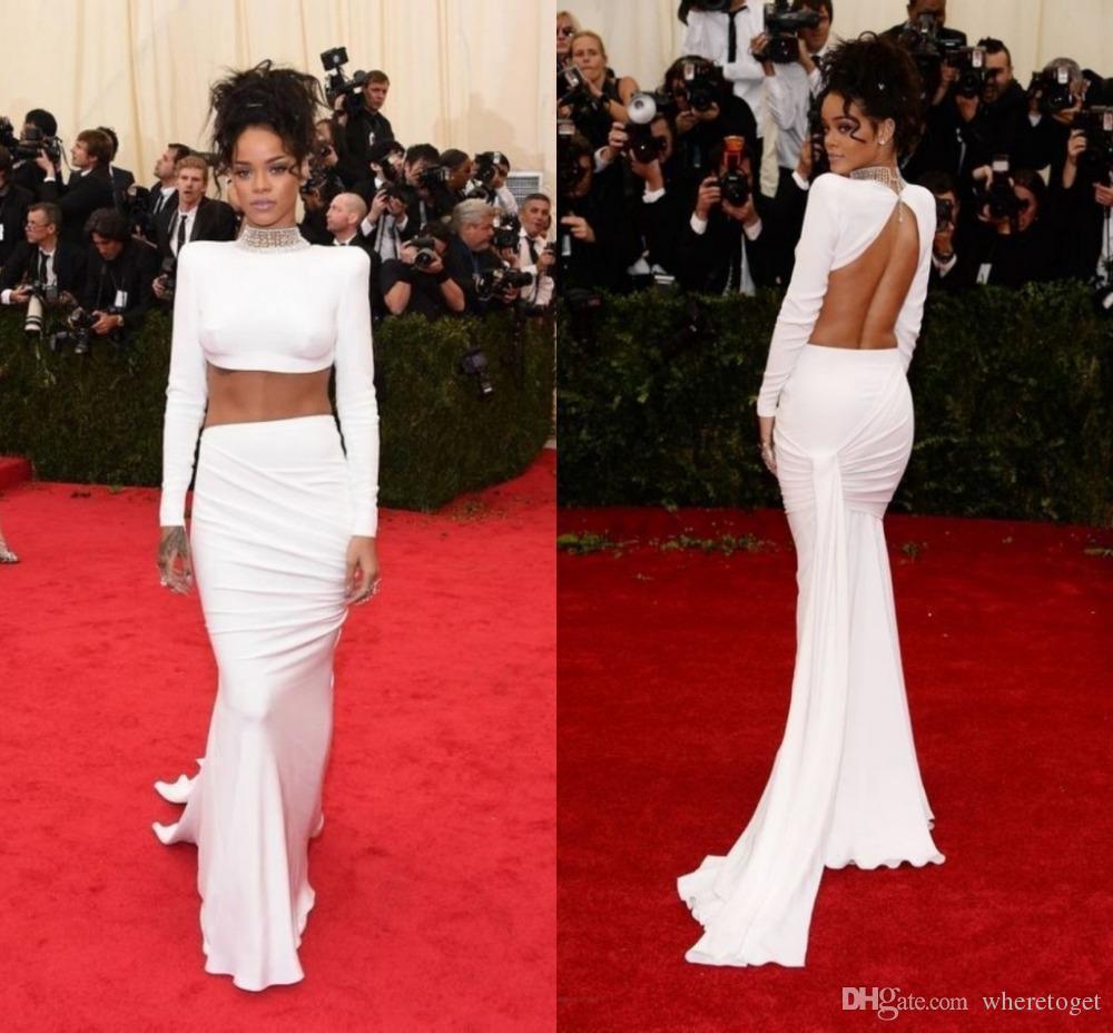Compre Sexy Dos Piezas Rihanna Blanco Celebrity Vestidos Cuello Alto Sin  Respaldo Con Pliegues Mangas Largas Vaina Tren De Barrido Moda  Personalizada Prom ... 1c4d060d814c