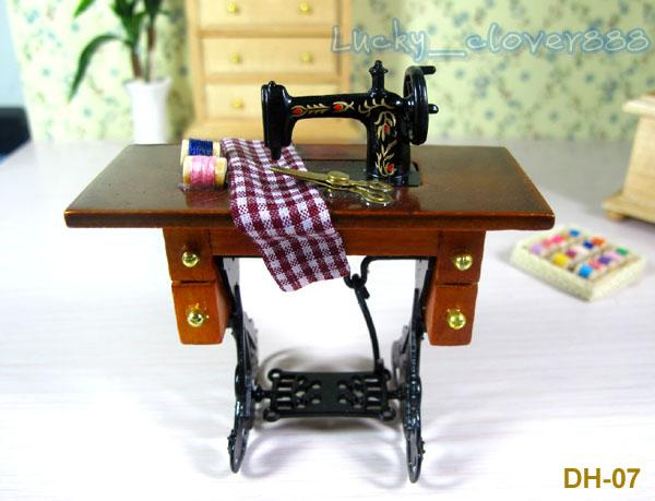 Vintage 1/12 Scale Dollhouse Miniature Furniture Mini Model Wood Metal Sewing  Machine Table And Accessories Decoration Dollhouse Family Dolls Toy Doll ...