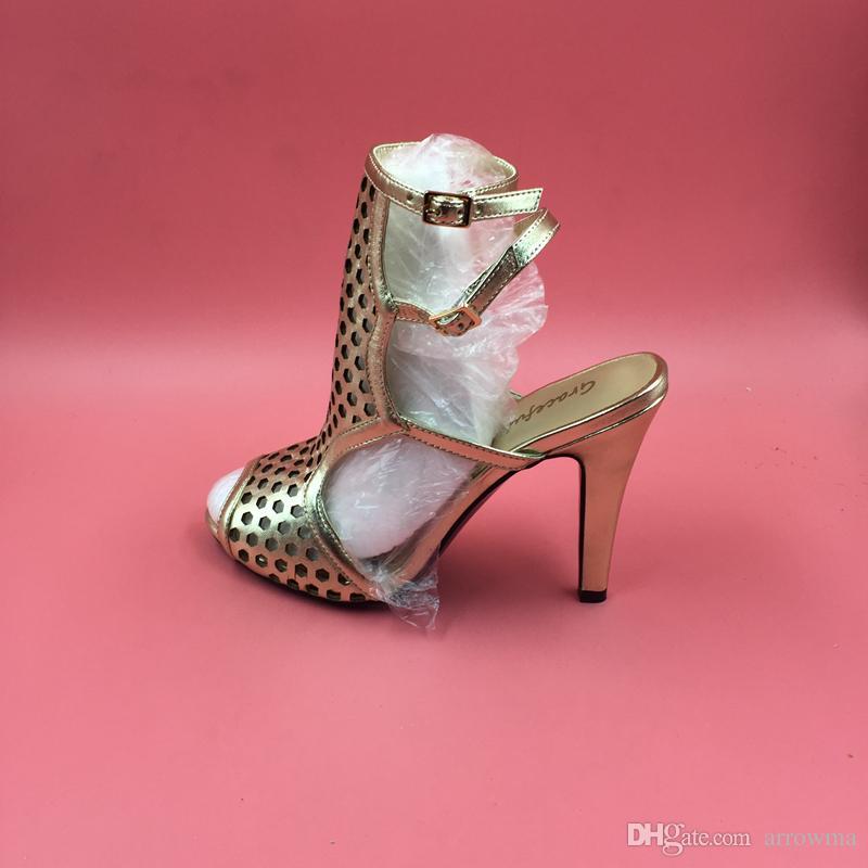 2016 Or Réel Chaussures De Mariage Chaussures De Mariée Boucle De Courroie Talons Hauts Femmes D'été Style Sandales Sur Mesure Plus Taille Pas Cher Modeste