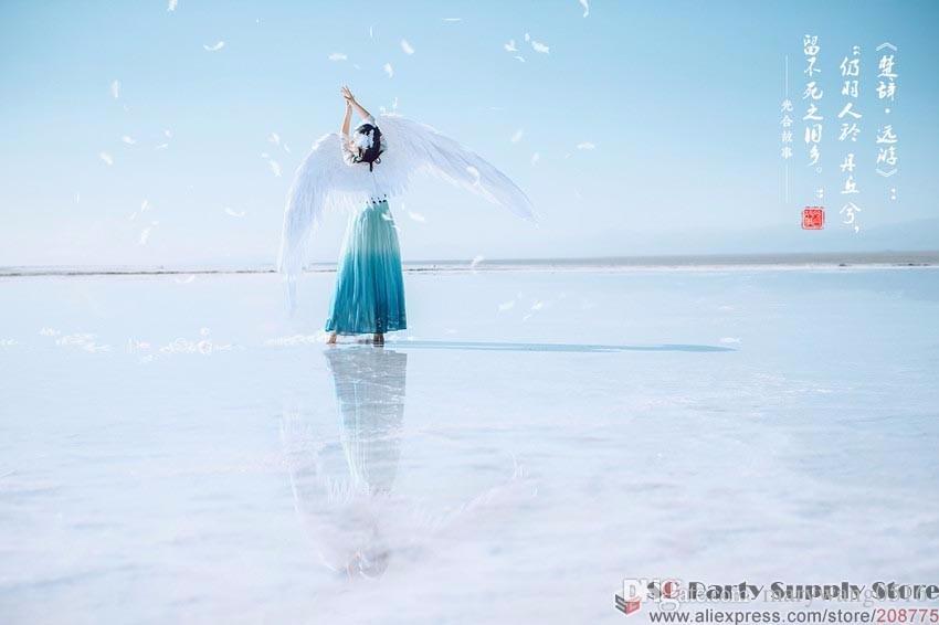 Disfrazados hermoso historieta roja alas de ángel de plumas blancas para el tiro del desfile de moda Muestra boda traje de los apoyos de Cosplay del juego