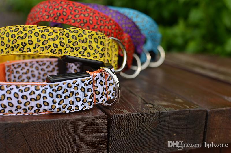 5 teile / los Beste LED Blinklicht Hundehalsband Pet Gürtel Harness Leine Tether Hundebedarf Sicherheit Nylon Kragen LED Kragen LED Nylon Halsband
