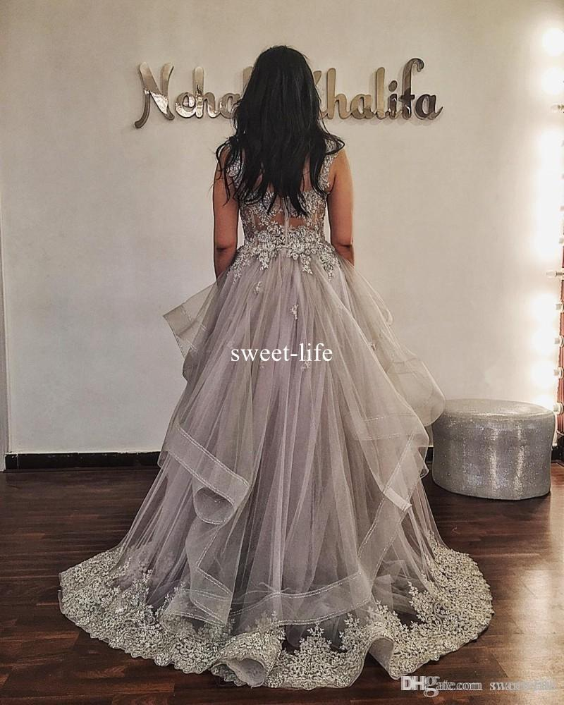 Elegant Silver Long Dresses Evening Wear Scoop Neck Lace Appliqued Ruffles Beaded Prom Gowns Plus Size Formal Special Occasion Party Dress