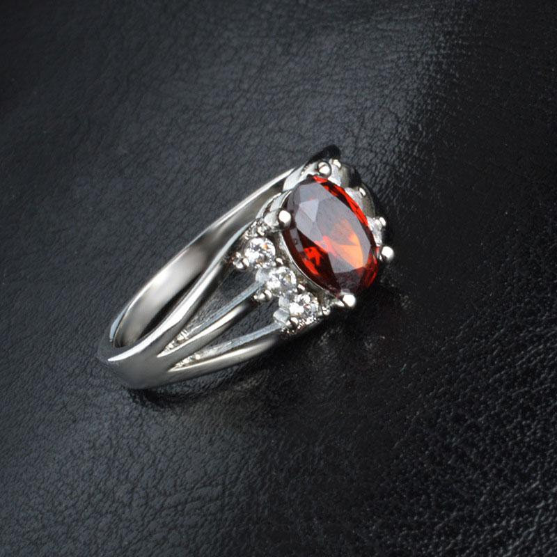 30% Silver Ruby White Gold Rings Perfect Cut Red Ruby Austrian Crystal Luxury Lady Finger Ring High quality Ruby jewelry