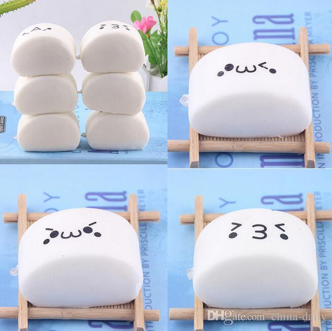 Free Ship 30pcs 3*6*4cm Expression Steamed Bun Bread Soft Buns Baby Kids Children Food Pretend Play Kitchen Toys Mobile Phone Strap