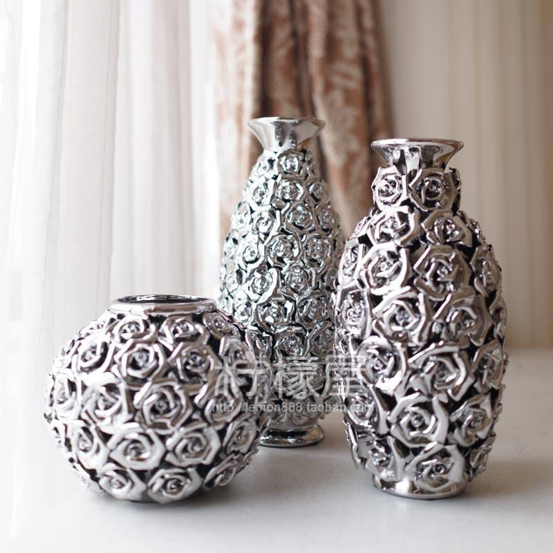 Captivating The Living Room Of Pottery Vase Gold And Silver Ornaments Plating .