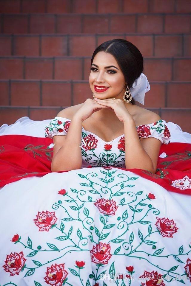 2017 Zarif Kırmızı Beyaz Saten Abiye Nakış Quinceanera Elbiseler Boncuk Tatlı 16 Elbiseler 15 Yıl Balo Törenlerinde QS1011