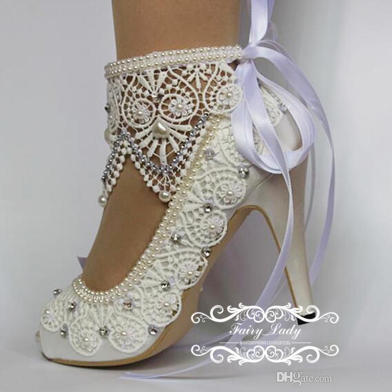 2017 weiße Peep Toe Spitze Hochzeit Schuhe Mit Verstellbarem Band Luxus Perlen Strass 10 CM High Heel Frauen Pumpt Braut Party Kleid