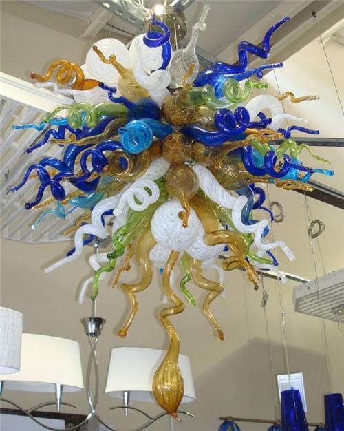 Hotsale European Style Certificato CE / UL Risparmio energetico, vetro soffiato, decorazione in cristallo, ben progettato, colorato, bellissimo lampadario