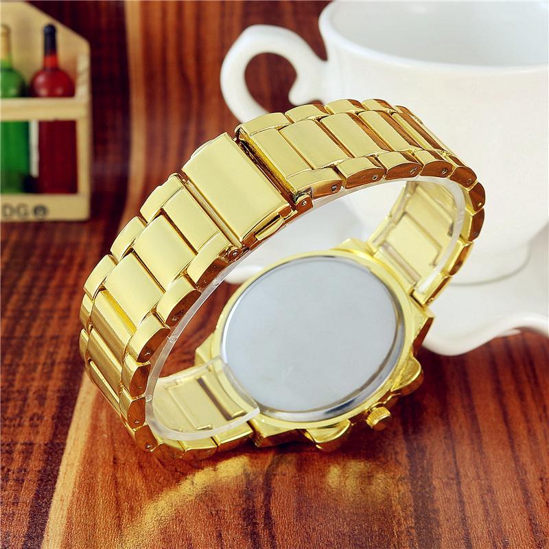 Wristwatches Moda męskie zegarki Biznes Zegarek Kwarcowy Geneva Stal Zegarki Osobowości Casual Moda Sukienka Zegarki Relogio W0775