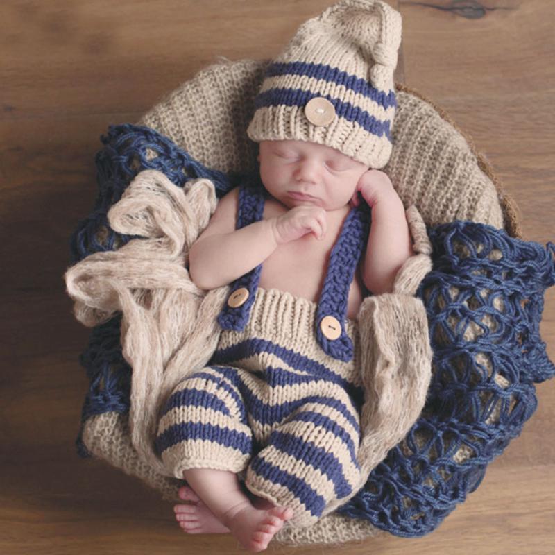 3c205c56d Compre Niños Ropa Conjuntos De Accesorios De Fotografía De Bebé Recién  Nacido Traje De Ganchillo Trajes De Rayas Suaves Pantalones Beanie Al Por  Mayor ...