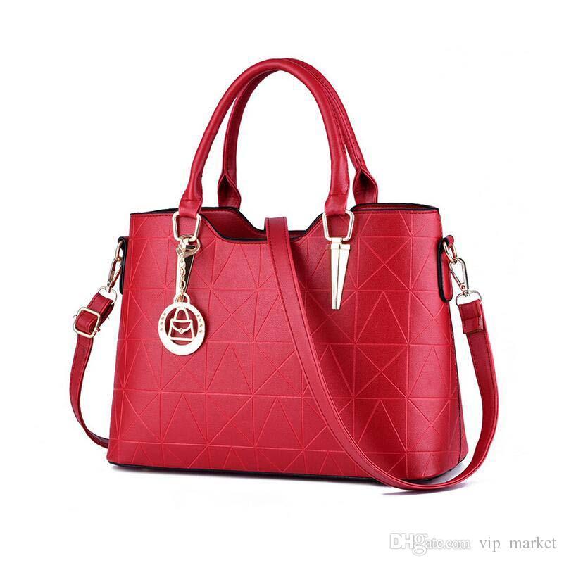 Brand new fashion sweet lady temperament zipper embossed women shoulder bag Messenger BAG71