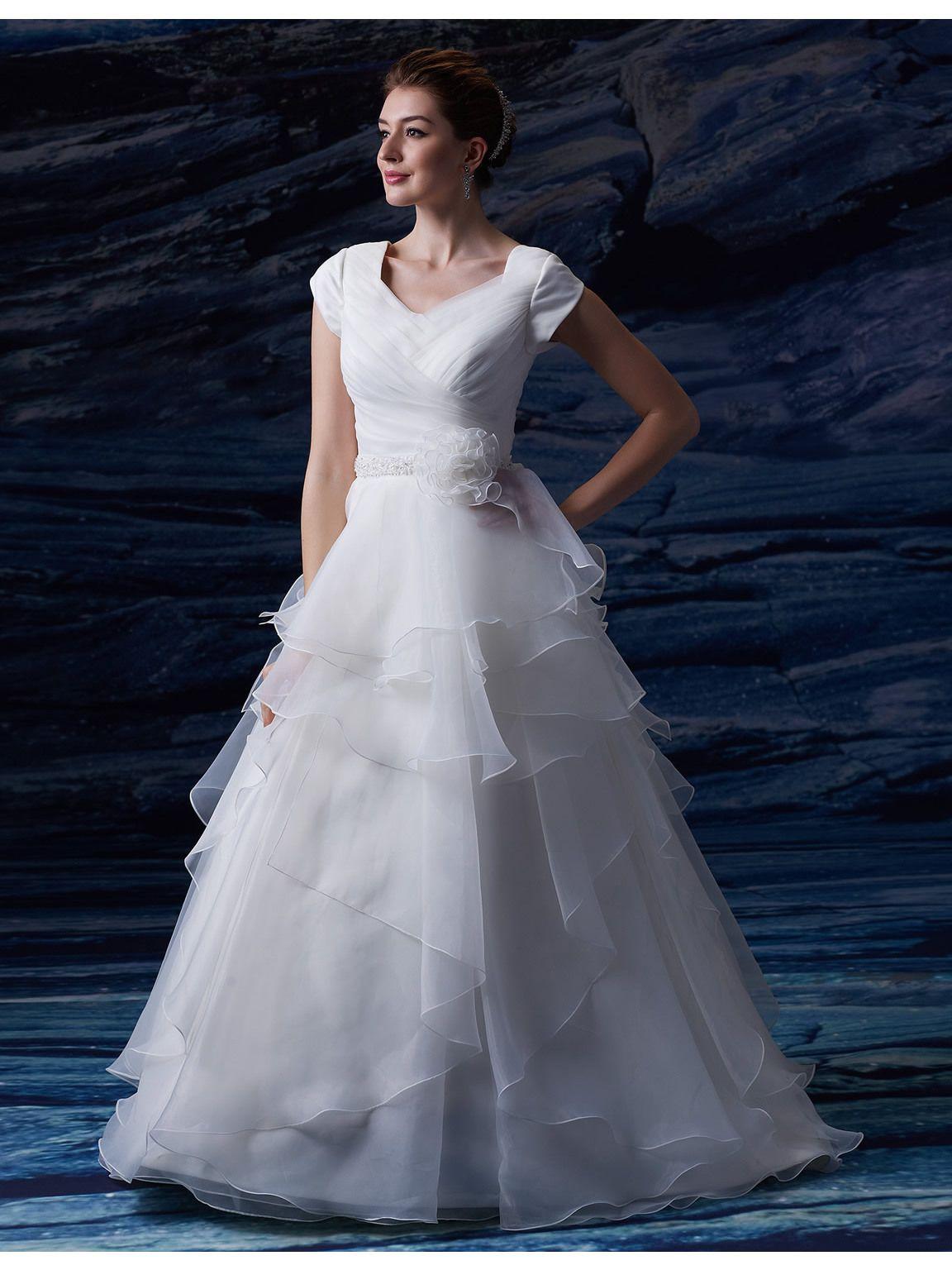 Increspature Organza Abiti da sposa lunghi modesti con maniche ad aletta A-line Bottoni cintura in rilievo Abiti da sposa paese indietro con pieghe fiore