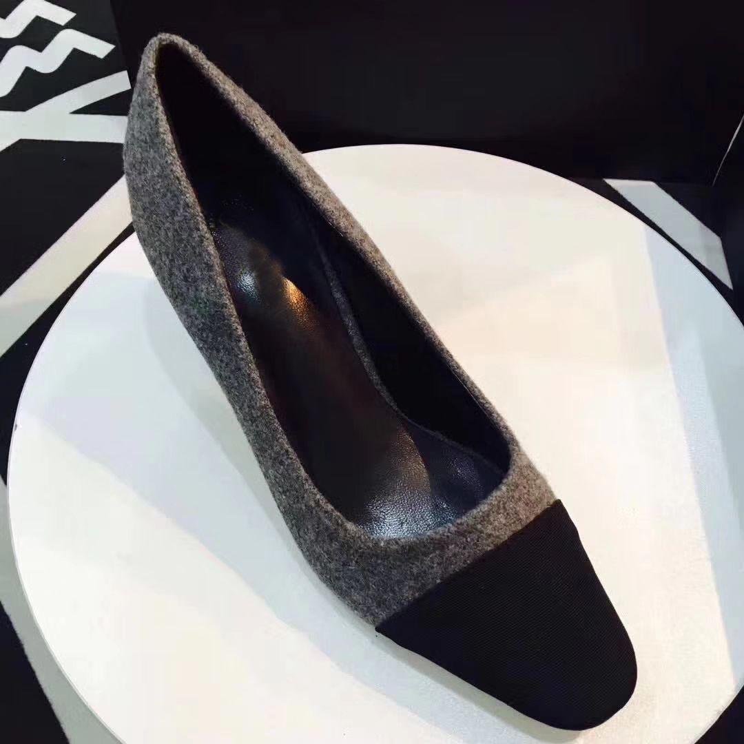 Designer Kalbsleder Damen Catwalk Kitten Heels Pumps Slingbacks Sandalen Pantoletten Flats Beige Graues Kleid Hochzeit Einzelne Schuhe mit Original Box