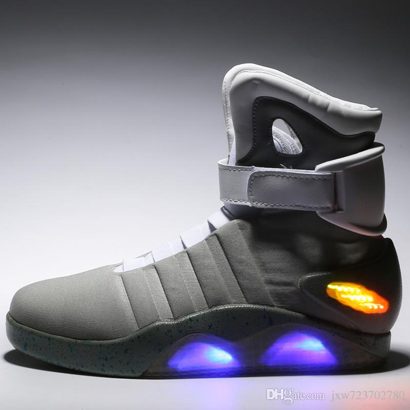 f596217042cf Großhandel Air Mag Mens Lighting Mags Herrenschuhe Mit LED Licht Hohe  Sneakers Schwarz Grau Mit Box Von Jxw723702780,  50.77 Auf De.Dhgate.Com    Dhgate