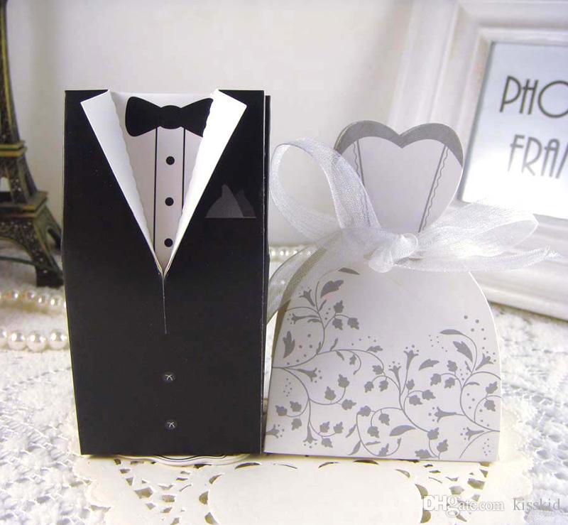 100 stücke Braut Bräutigam Pralinenschachtel mit Blumenmuster Hochzeit Gunsten Süßigkeiten Geschenkboxen Kleid Smoking Süße Geschenkbox