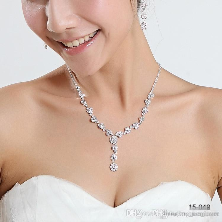 Dazzling Robes De Mariée De Mariage Ensemble De Bijoux Avec Erring Drill Collier De Fleurs Stock Perles Collier Accessoires De Mariée