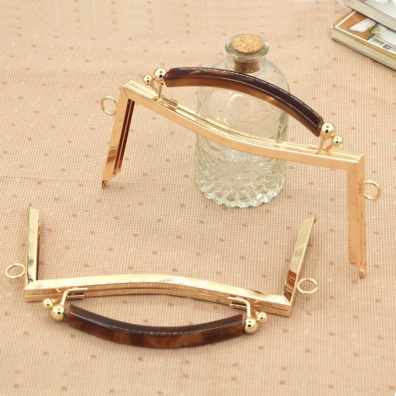 2018 wholesale gold color metal purse frame handle bag hanger with acrylic clasp wholease bag accessories purse handle bag strap purse frame from bag80555 - Metal Purse Frames
