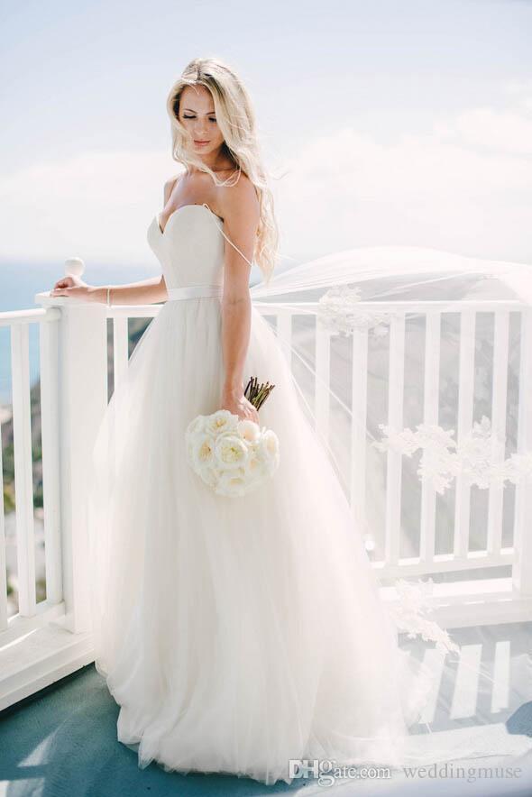 Cheap 2021 Beach Wedding Dresses Ivory Spaghetti Straps Sweetheart Long Tulle Bohemian Wedding Dress Bridal Gowns For Summer