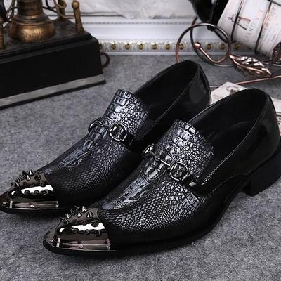 새로운 도착 패션 망 블랙 드레스 신발 금속 발가락 리벳 양각 가죽 신발 트렌드 슬립 보트 신발 38-46