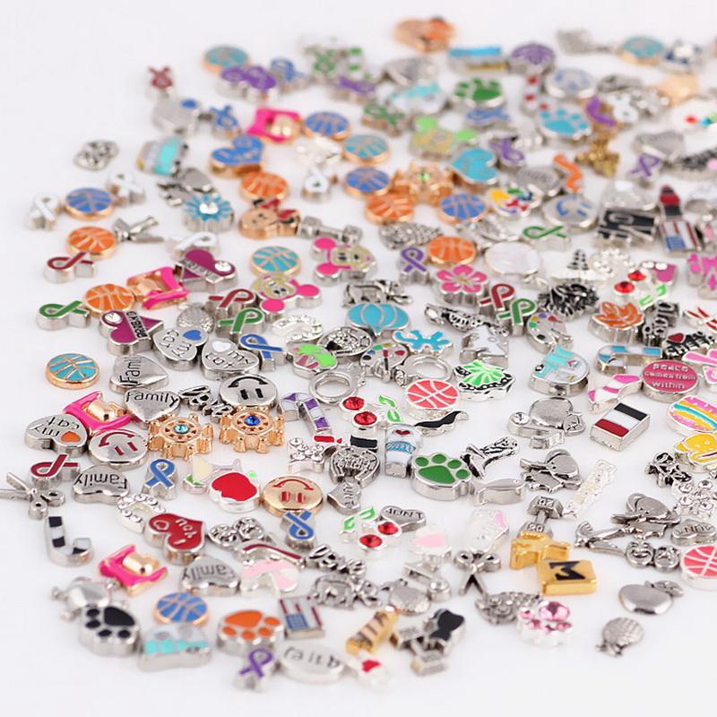Imagens coloridas! 100 pçs / lote estilos projetos mistos medalhão flutuante charme liga encantos para vidro de vida medalhões jóias diy
