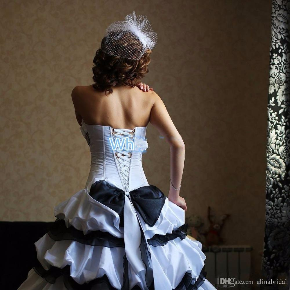 Gothic White and Black Wedding Dresses 2018 Vintage Taffeta Bridal Gowns Scalloped Ruffle Sexy High Low Wedding Gown With Big Bow Ruffles