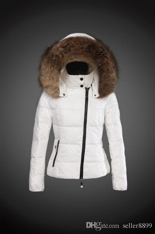 2018 New brand woman fashion Luxury short down jacket real Raccoon fur collar hoodies parkas Top down coat brand parkas