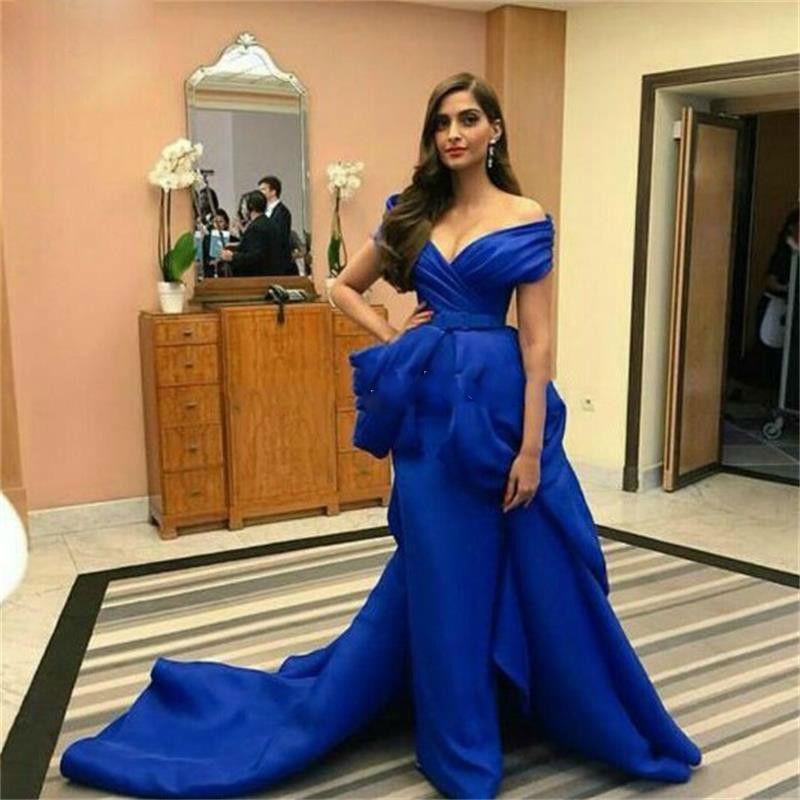 Stylish Arabic Royal Blue Evening Gowns Off Shoulder Formal Evening Celebrity Dresses Ruffles Red Carpet Dress Fashion Satin robe de soiree