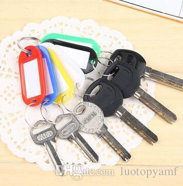الجملة الرخيصة البلاستيك مفتاح معرف بطاقات بطاقات اسم الدائري سلاسل المفاتيح مع اسم بطاقات