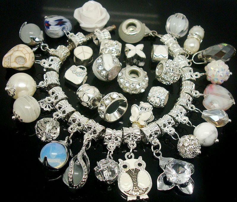 50 unids / lote Miixed White Charms Beads para la joyería que hace colgantes sueltos DIY Granos del agujero para la pulsera europea al por mayor en bulto