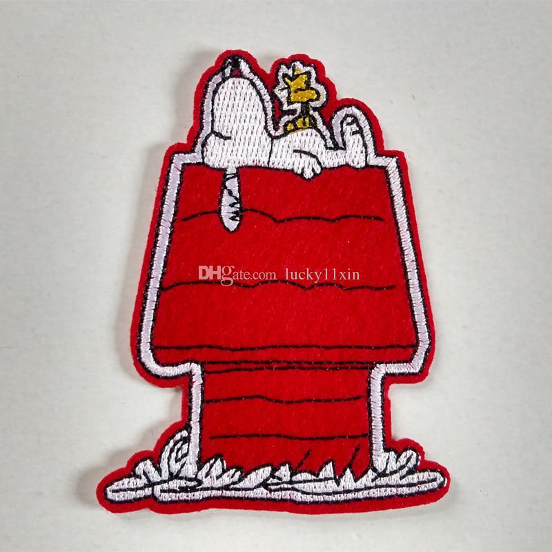 Compre Woodstock Snoopy Lying Encima De La Caseta Del Perro De Hierro En  Parche Bordado De Dibujos Animados Camisa De Regalo De Los Niños Bebé  Camisa Bolsa ... d7436527eb06b