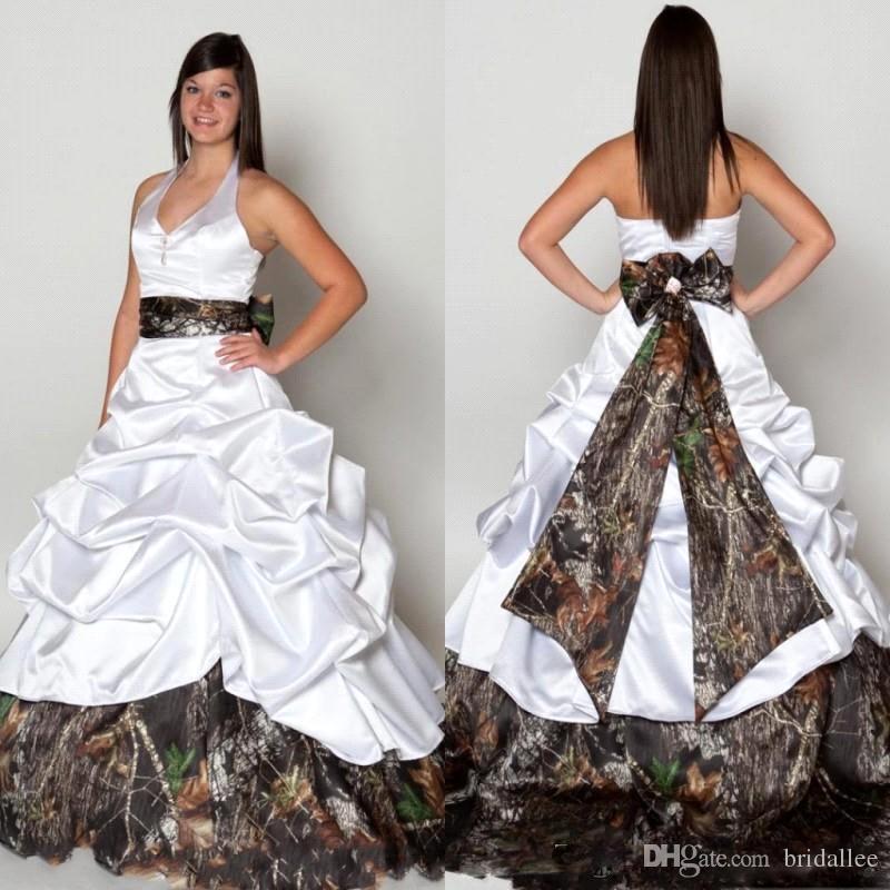 2017 robes de mariage de camo sans dos Sexy Halter Halter princesse Princesse Pick ups Share Summer Spring Forêt Pays Robes de mariée Robes de mariée