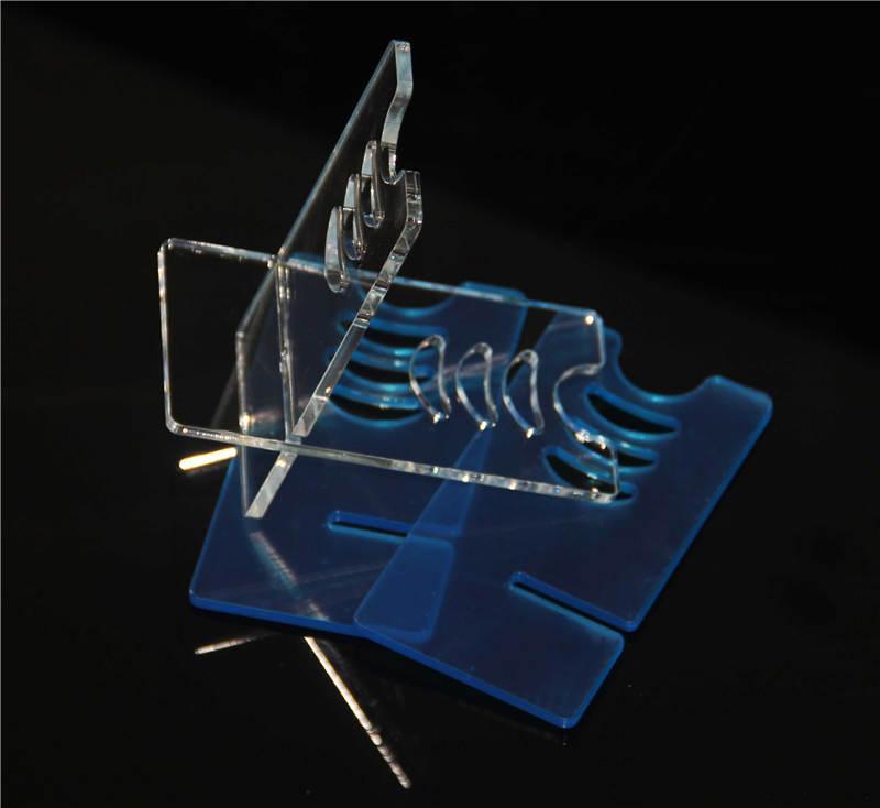 Le support acrylique représente la caisse vitrine d'affichage d'Ecig, les caisses de mod.