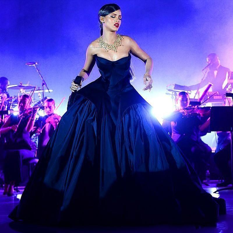 Dark Navy Ballkleid Prom Kleider Vestido de festa Rihanna Satin Sweep Zug Lange Formale Promi Abendkleider Benutzerdefinierte