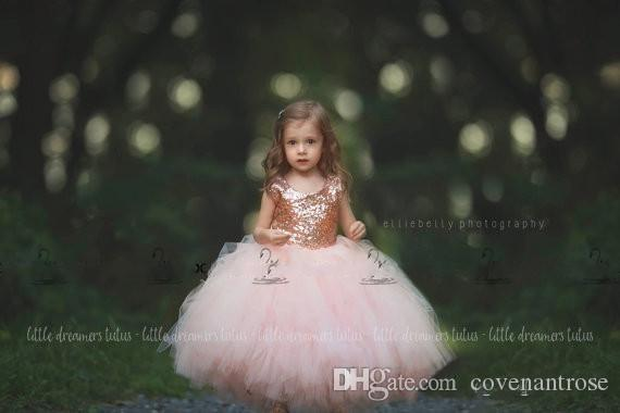 Petites filles robe de communion Or Rose Paillettes Blush Tulle Robe De Bal Fleur Robes Des Filles '2017 Cap Manches Puffy Formelle Robe De Fête De Mariage