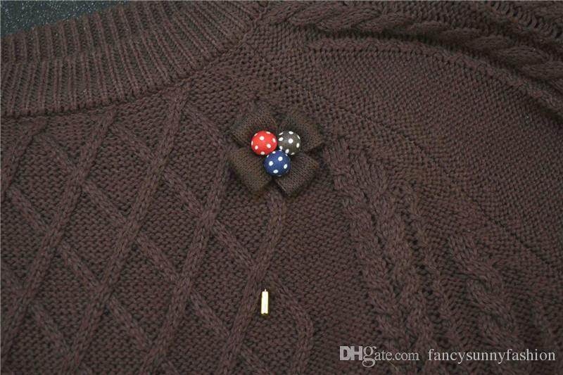 price cheap luxury flower brooch lapel pins with retal gift box Handmade boutonniere stick with cloth flower for Gentleman suit wear sweater