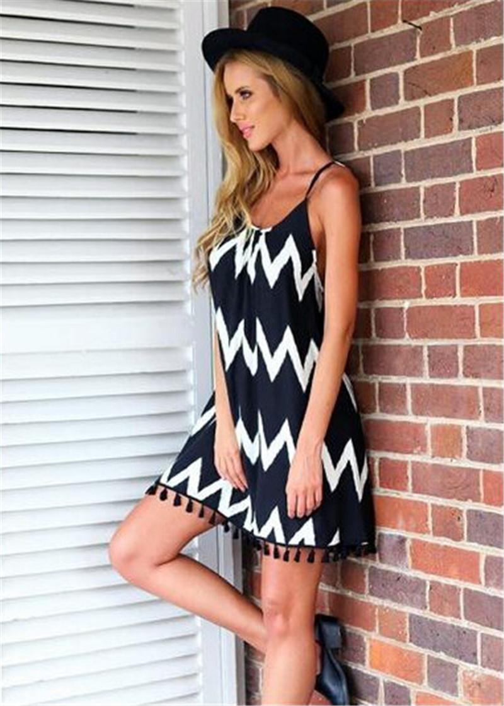 캐주얼 여성 Backless 드레스 술 프린지 트림 드레스 미니 스트라이프 지그재그 블랙 화이트 스윙 여름 드레스 Vestido Vestidos Womens Clothing