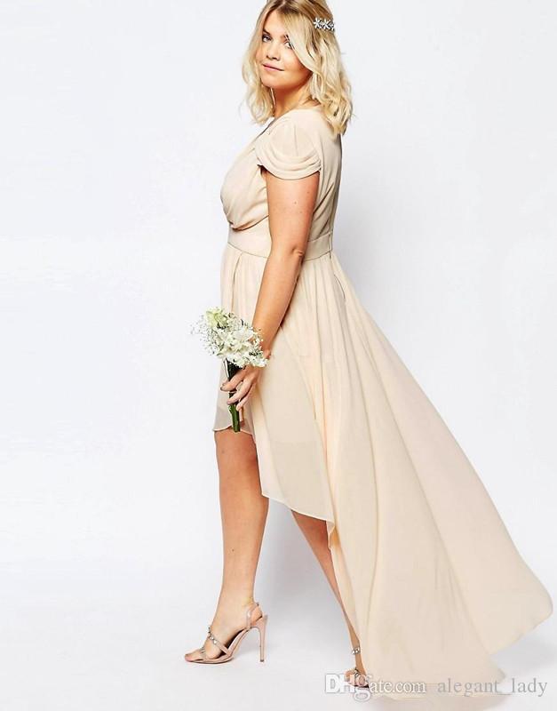 Champagner Nude Chiffon High Low Land Brautjungfer Kleider Plus Größe 2018 V-Ausschnitt Kurzarm Junior Trauzeugin Hochzeit Gast Kleid