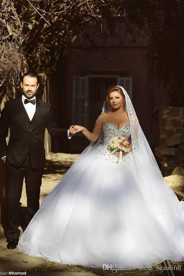 2019 Nouveaux Cristaux De Luxe À Manches Longues Robes De Bal Robes De Mariée Strass À Lacets Retour Arabe Robe De Mariage Sheer Ras Du Cou Vestidos