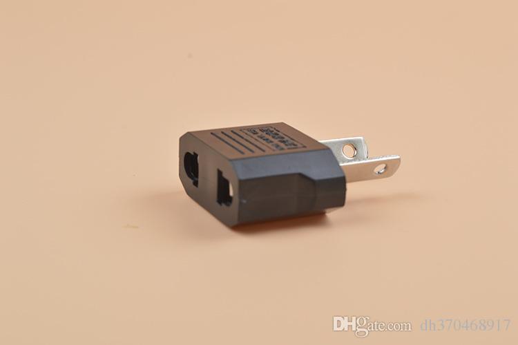 미국 / EU to EU AU AC 전원 플러그 컨버터 어댑터 어댑터 유럽에서 검정색 플라스틱 여행 변환기 최대 2200W 두 핀
