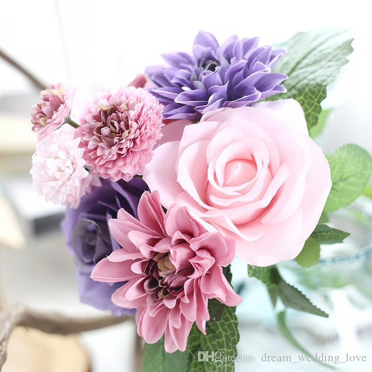 Un mazzo di fiori artificiali con 3 rose, 3 rose dalia, 2 grandi e 2 piccoli fiori di crisantemo cinque colori scegliere SF012
